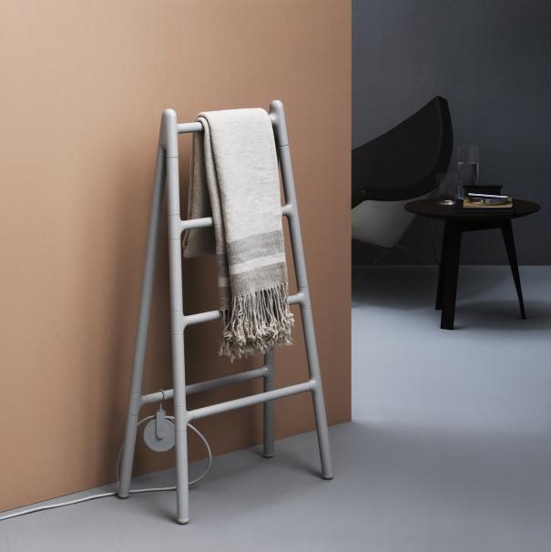 Scaletta scalda salviette elettrico in for Scaletta decorativa